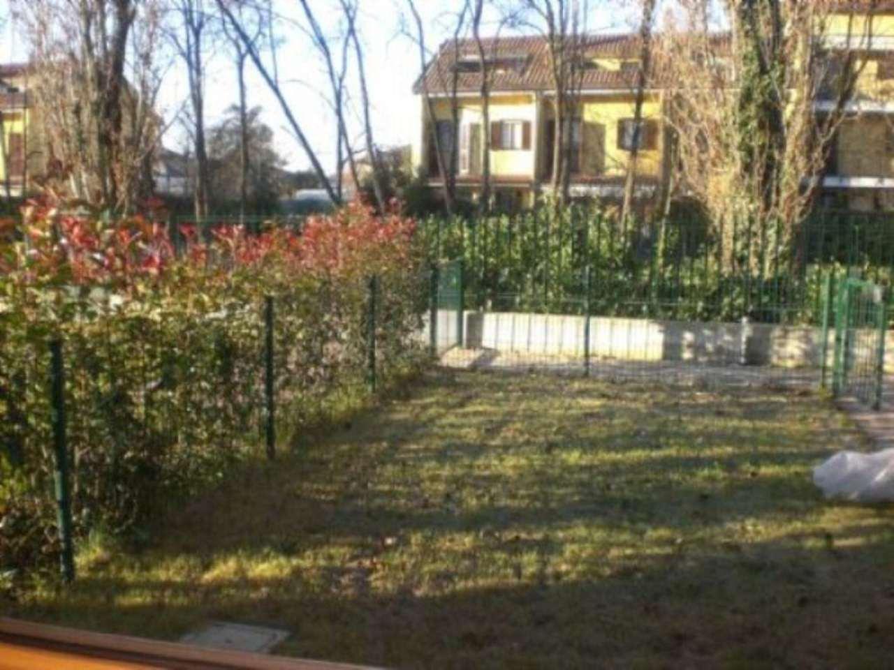 Bilocale Cavenago di Brianza Via Sant'antonio 7