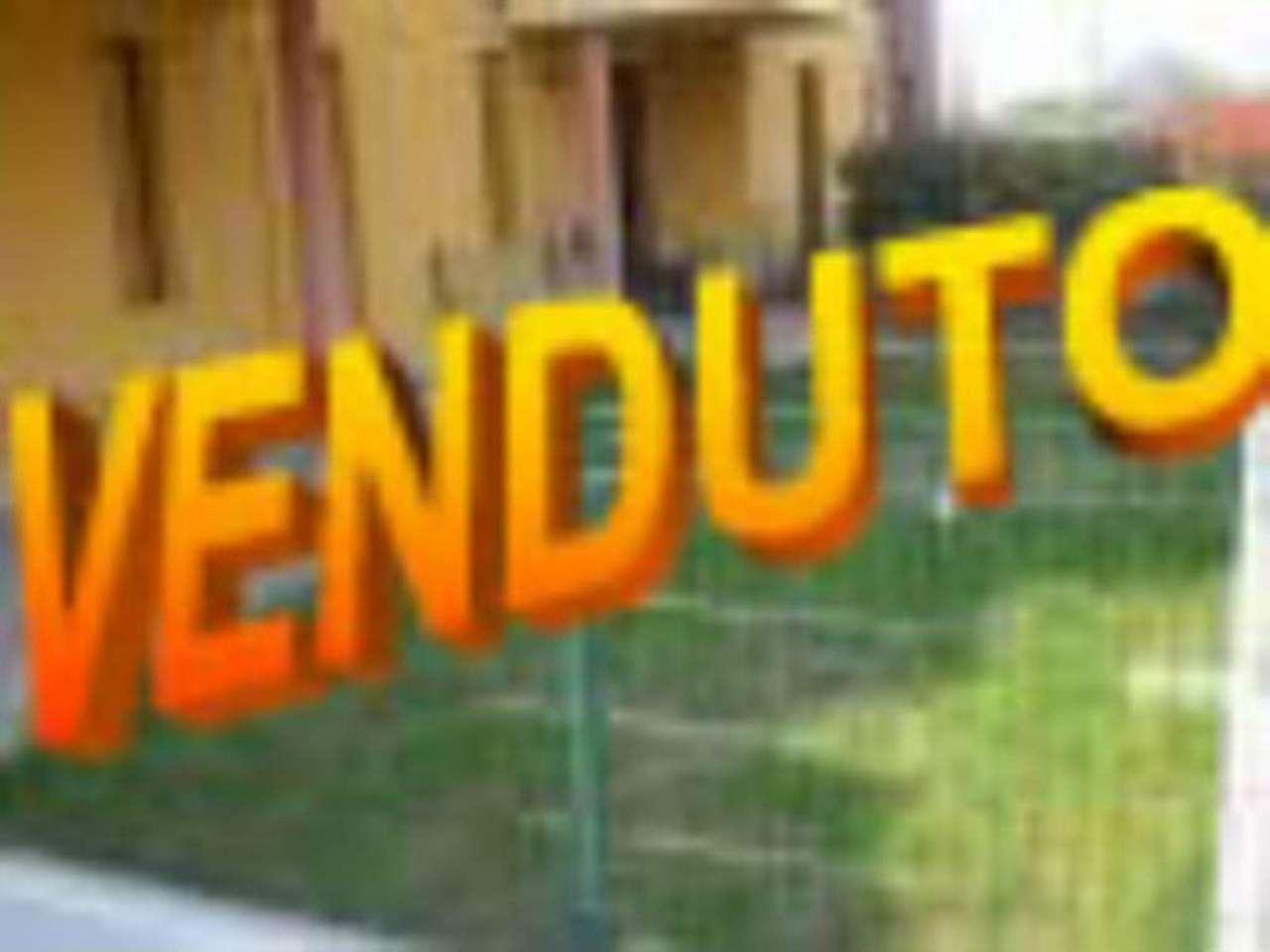 Bilocale Cavenago di Brianza Via Sant'antonio 1