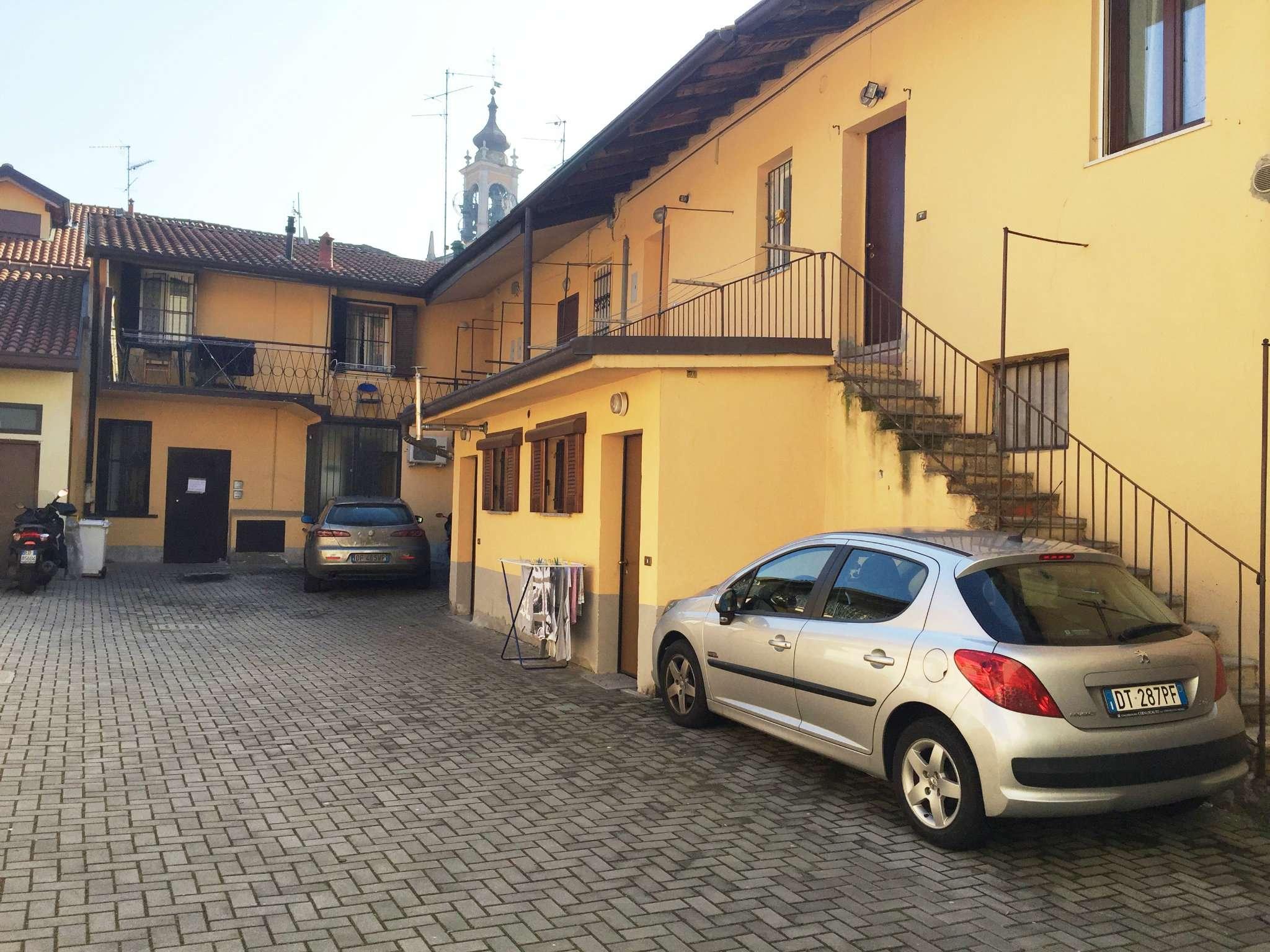 Bilocale Cavenago di Brianza Via Rasini 3