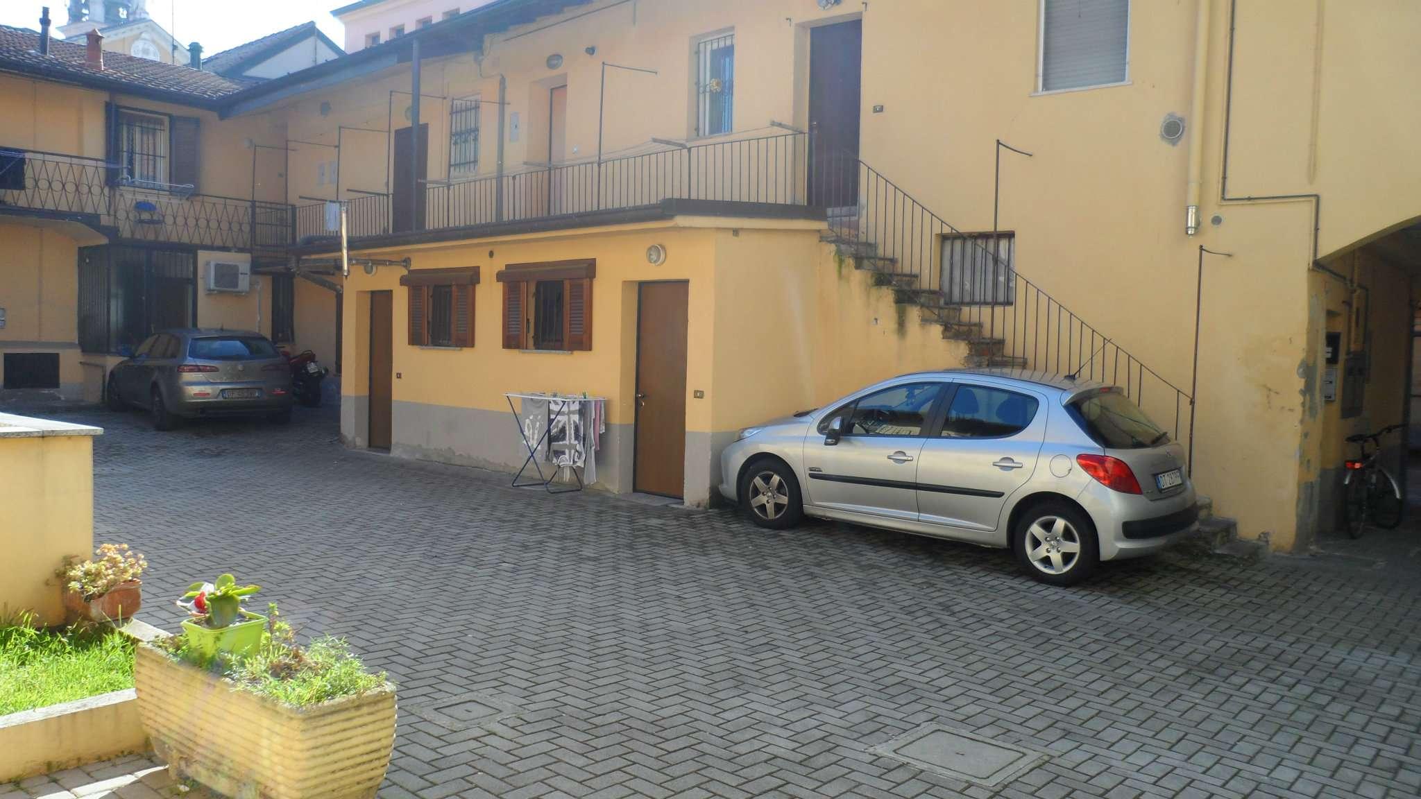 Bilocale Cavenago di Brianza Via Rasini 5
