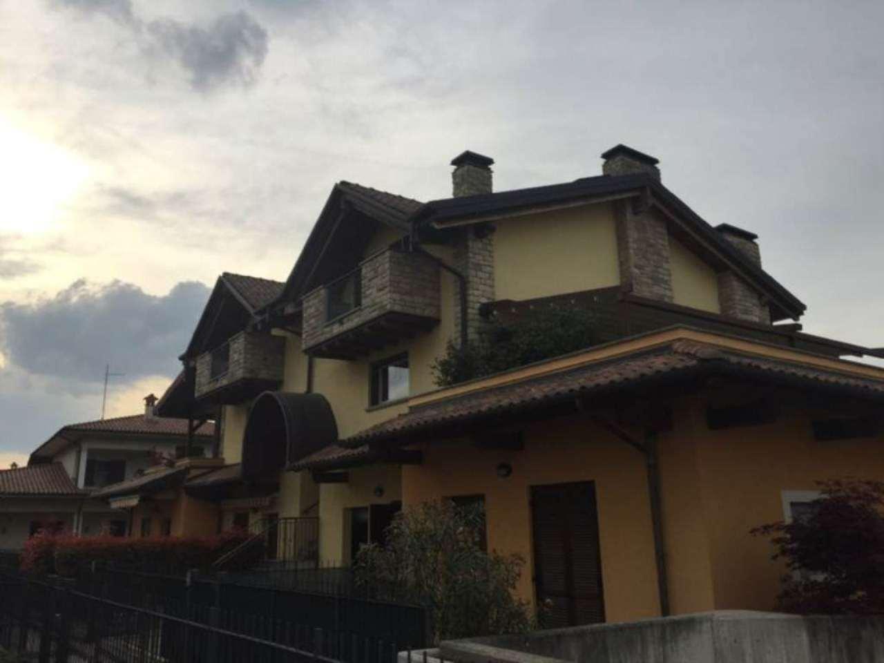 Bilocale Cavenago di Brianza Via Manzoni 4