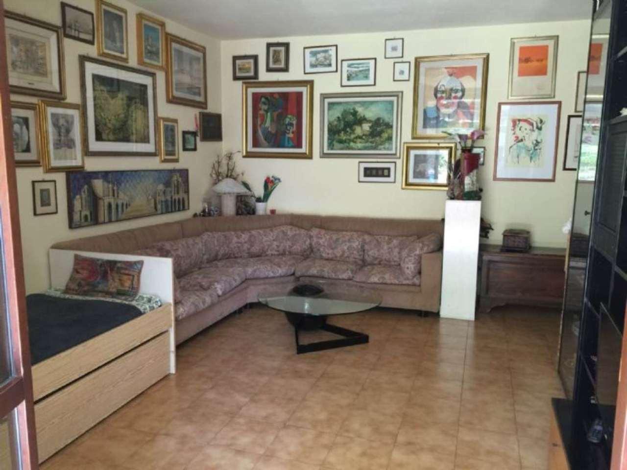 Bilocale Cavenago di Brianza Via Mazzini 6