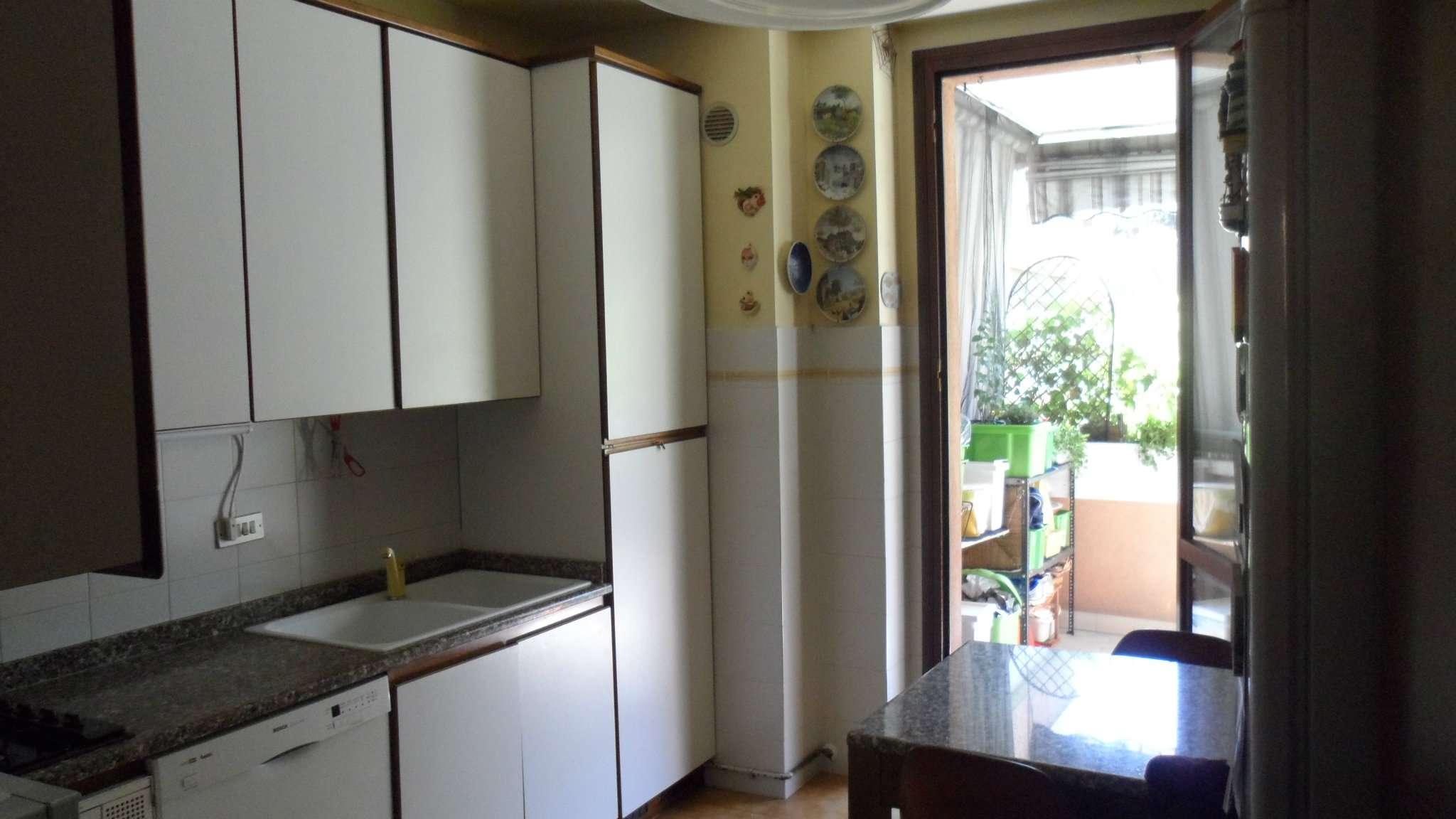 Bilocale Cavenago di Brianza Via Mazzini 10