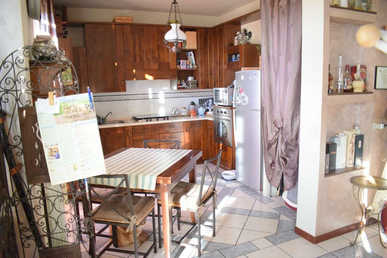 Bilocale Roncello Via Marconi 4