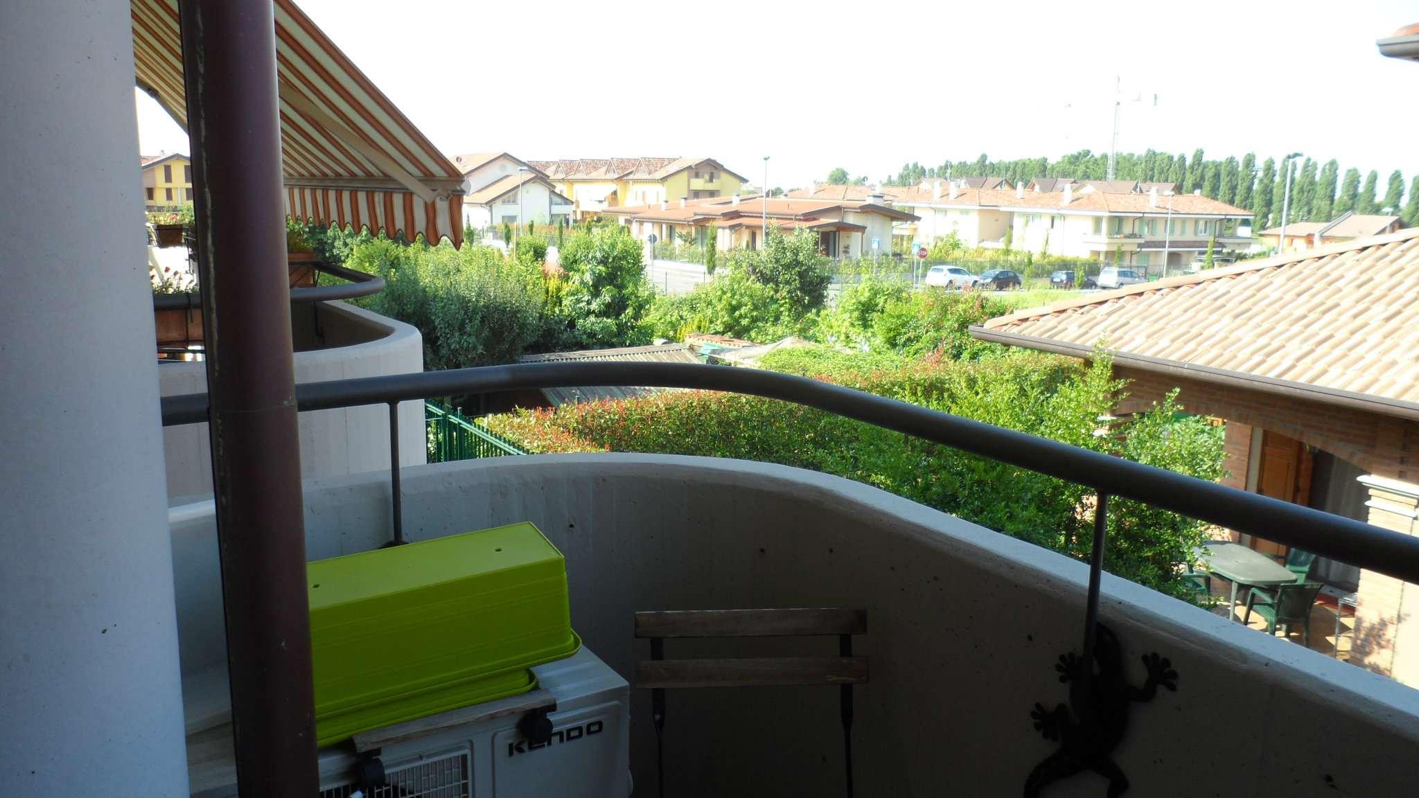 Bilocale Cavenago di Brianza Via Gaber 4
