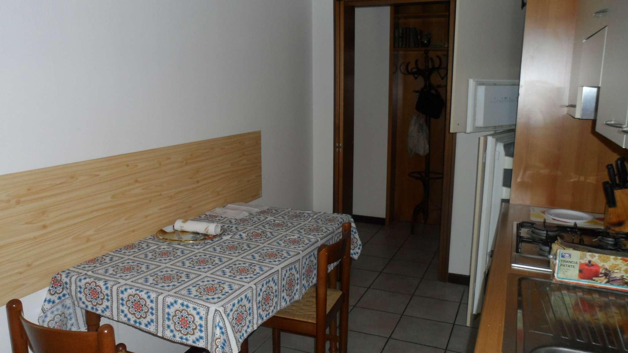 Bilocale Cavenago di Brianza Via Matteotti 6