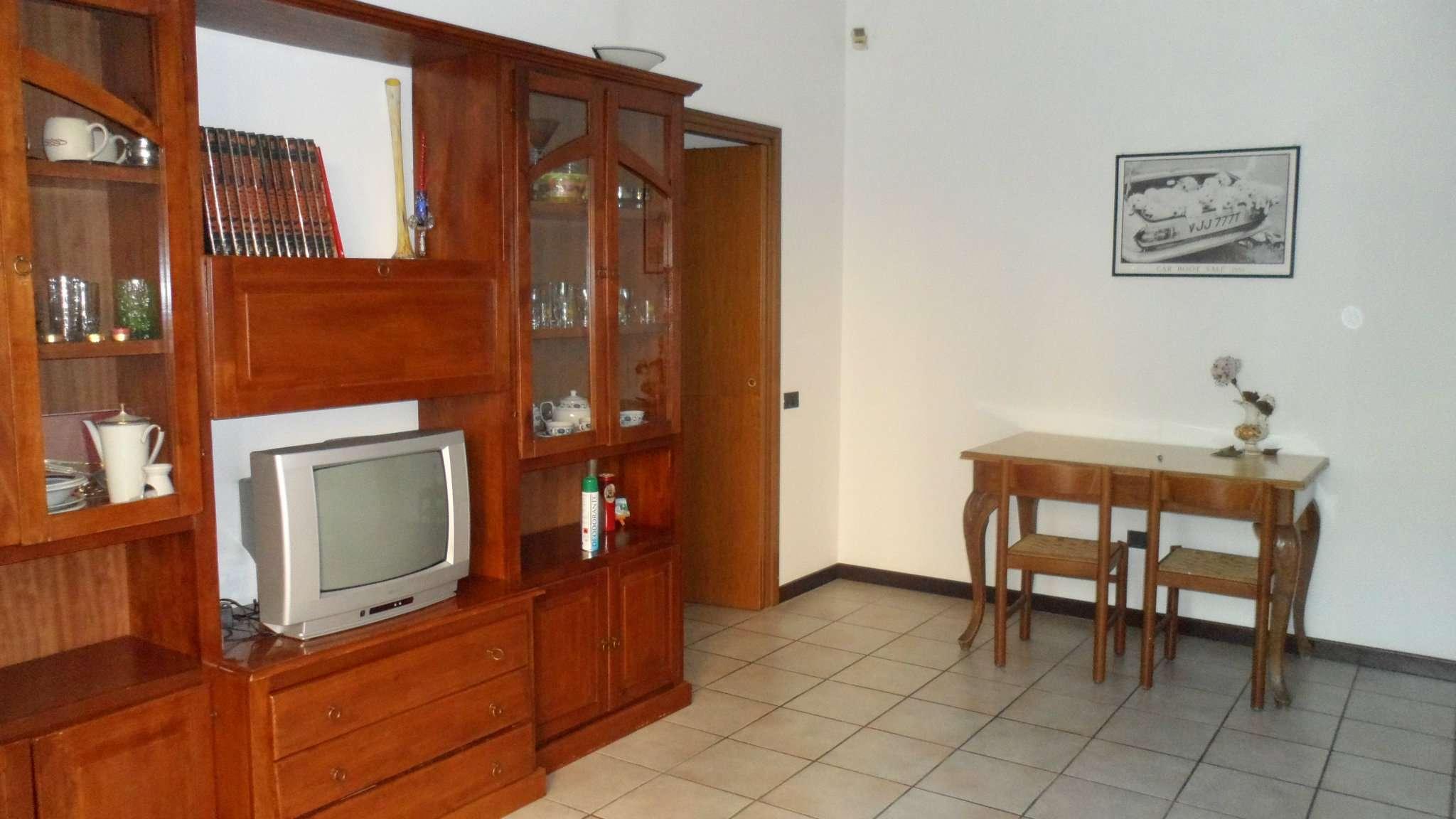 Bilocale Cavenago di Brianza Via Matteotti 4