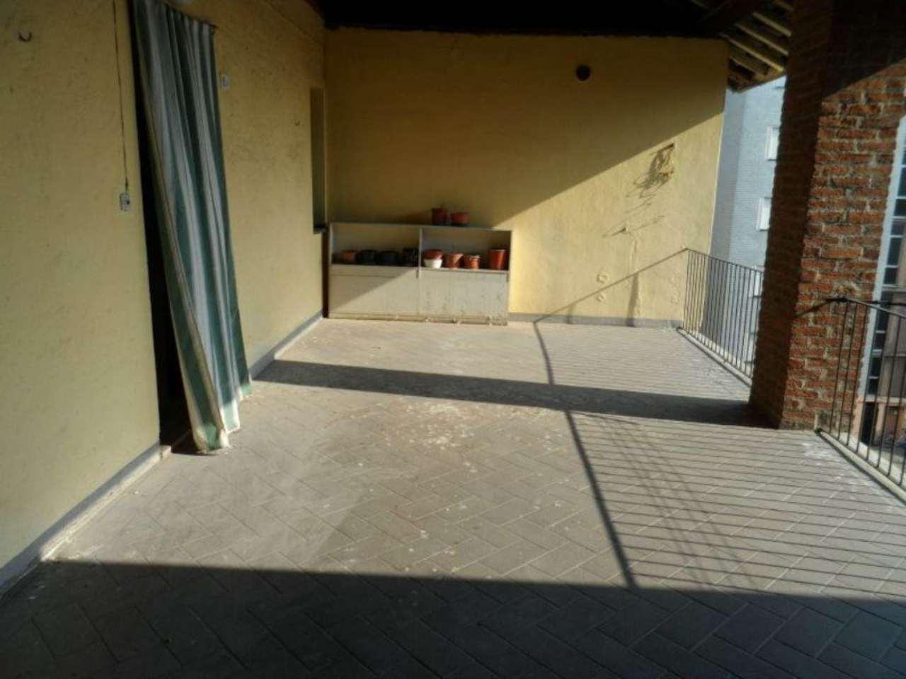 Bilocale Ornago Piazza Martiri 10