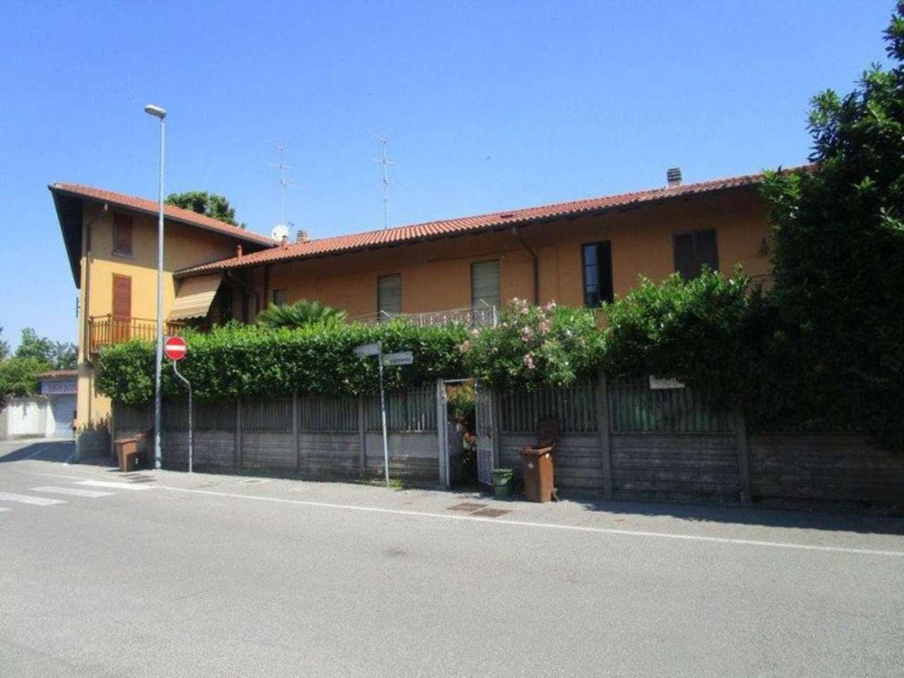 Rustico / Casale in affitto a Aicurzio, 3 locali, prezzo € 400 | Cambio Casa.it