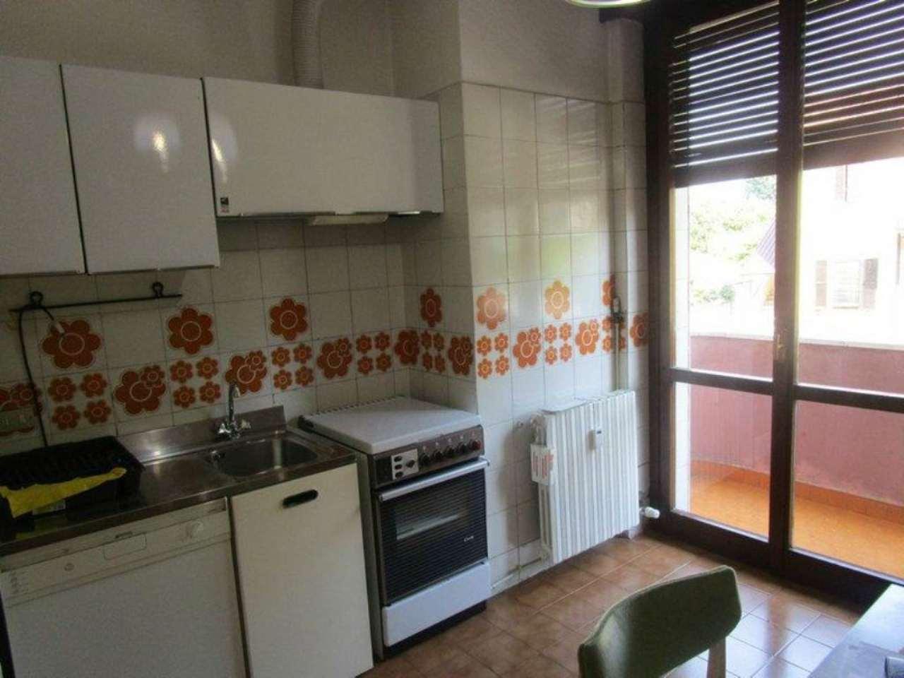 Bilocale Monza Via Ponchielli 8