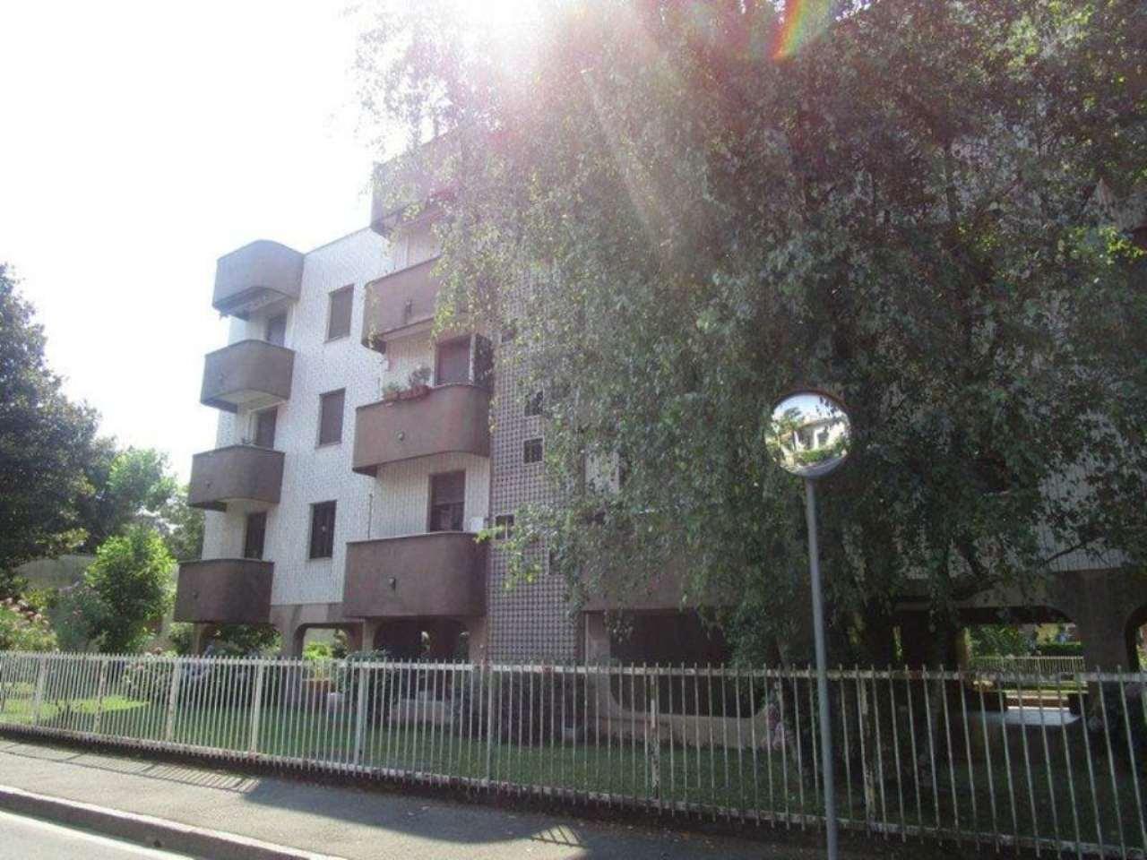 Bilocale Monza Via Ponchielli 3