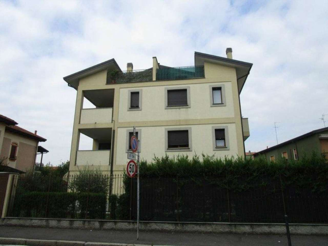 Bilocale Monza Via San Rocco 1