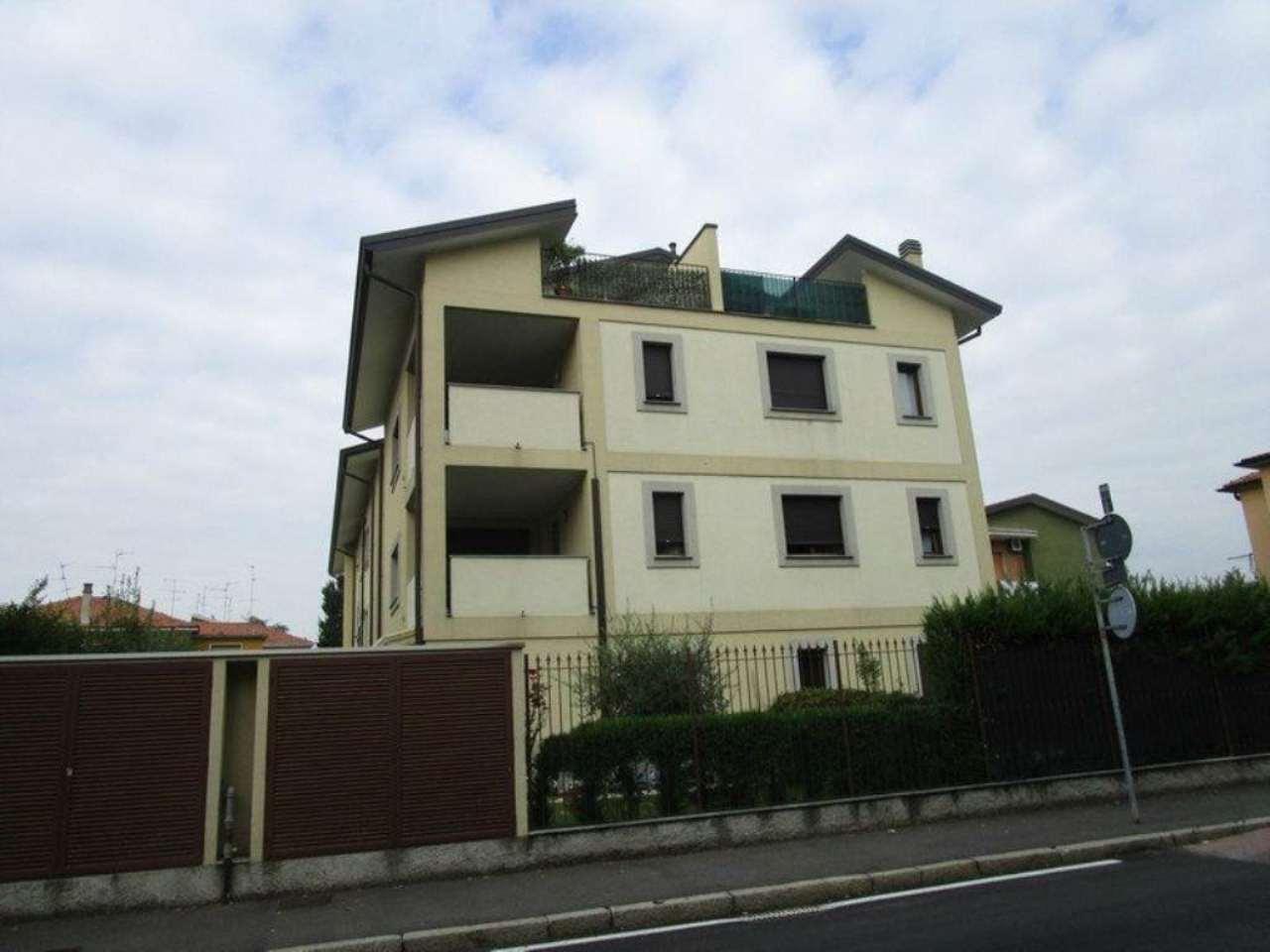 Bilocale Monza Via San Rocco 2