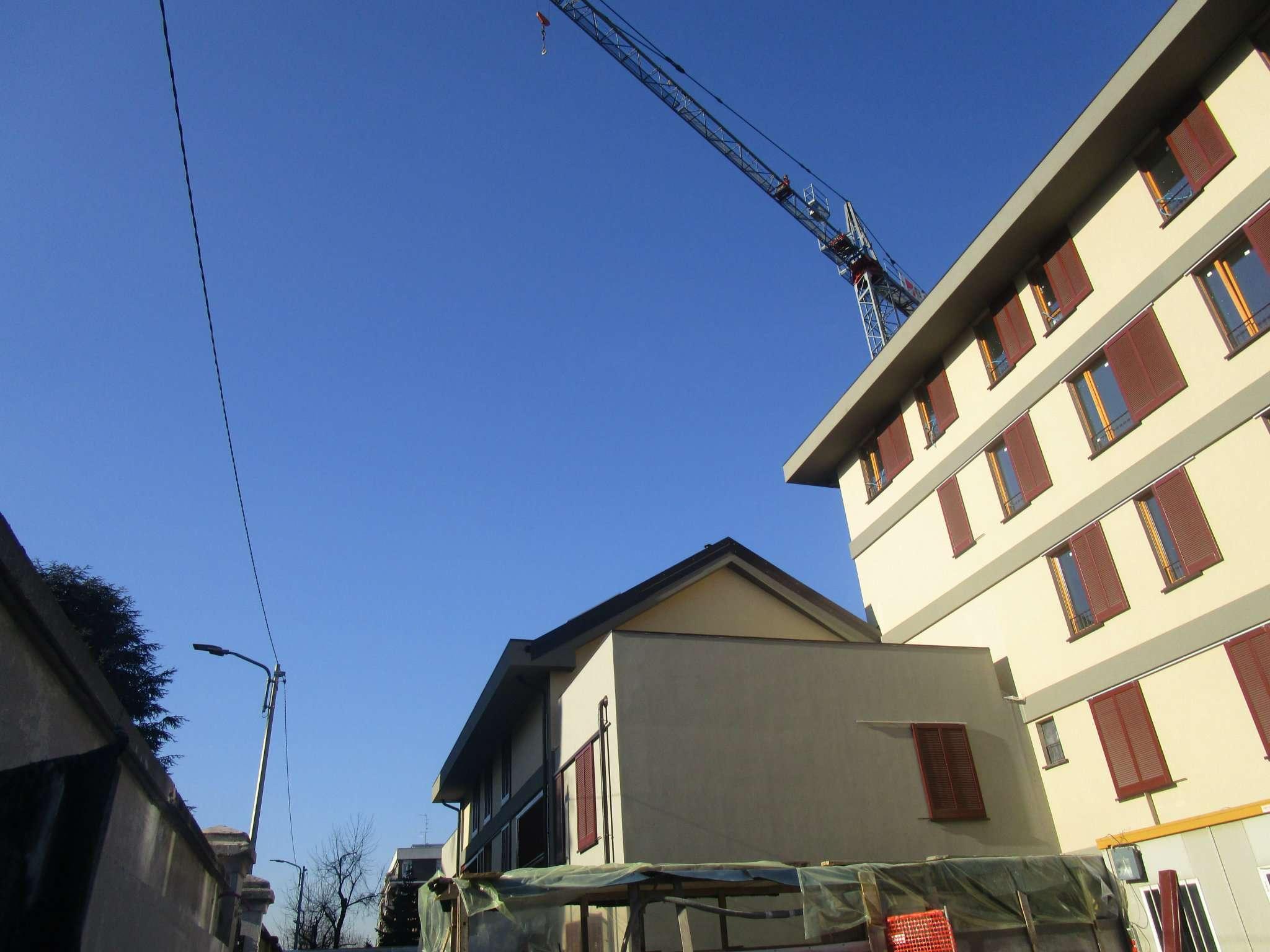 Bilocale Monza Via Oslavia 11