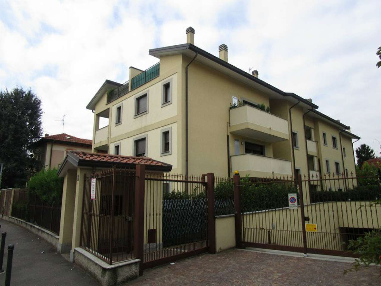 Box / Garage in vendita a Monza, 9999 locali, zona Zona: 5 . San Carlo, San Giuseppe, San Rocco, prezzo € 15.000 | Cambio Casa.it
