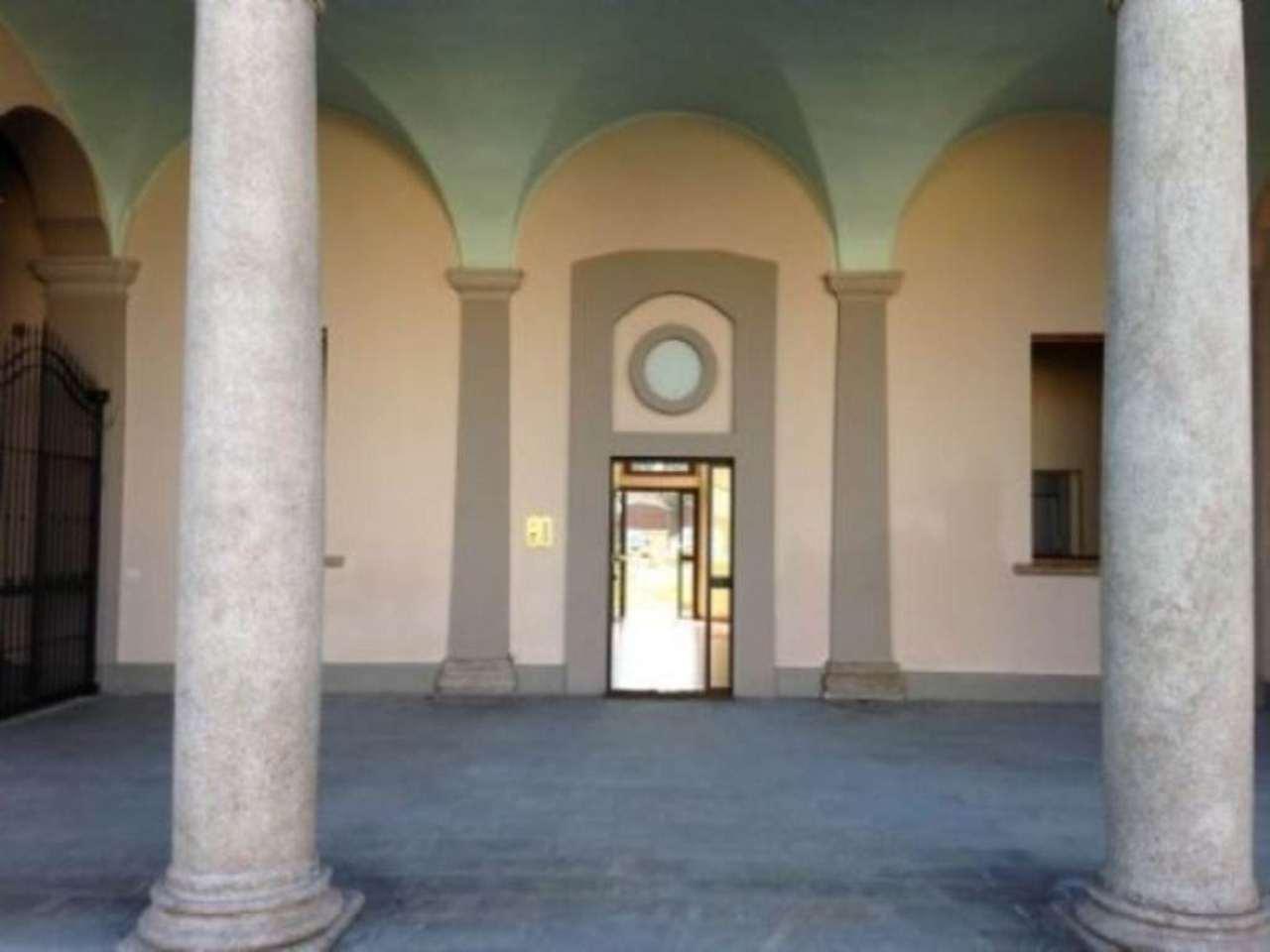 Bilocale Muggiò Piazza Don Minzoni 4