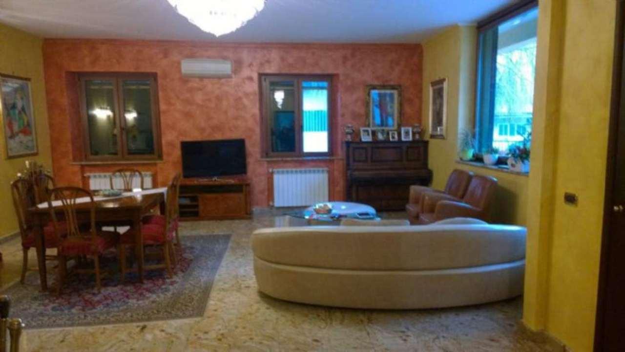 Villa in vendita a Monza, 4 locali, zona Zona: 6 . Triante, San Fruttuoso, Taccona, prezzo € 950.000 | Cambio Casa.it