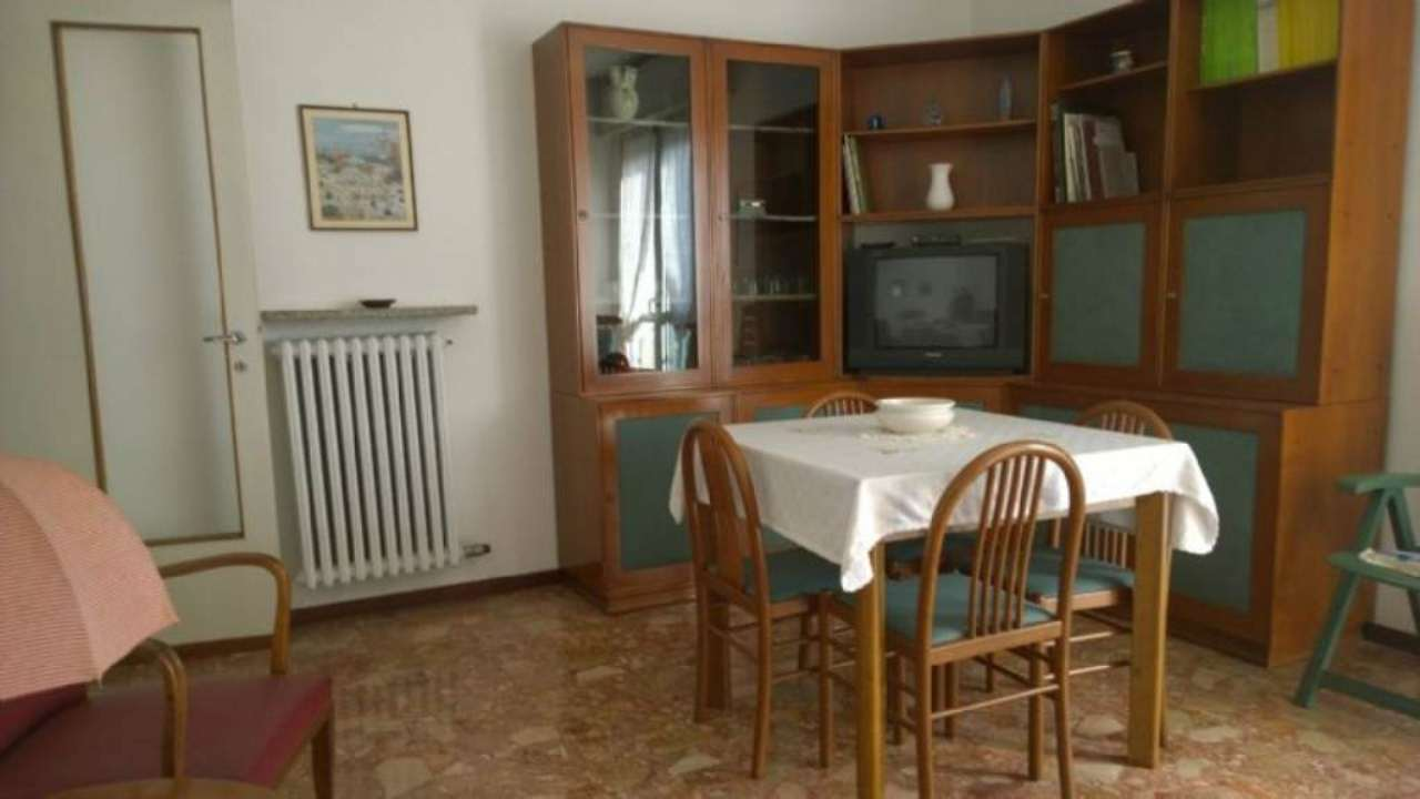Bilocale Bresso Via Veneto 2