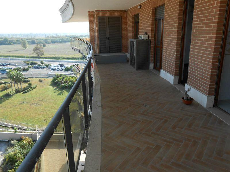 Appartamento in vendita a Fiumicino, 2 locali, prezzo € 188.000 | Cambiocasa.it
