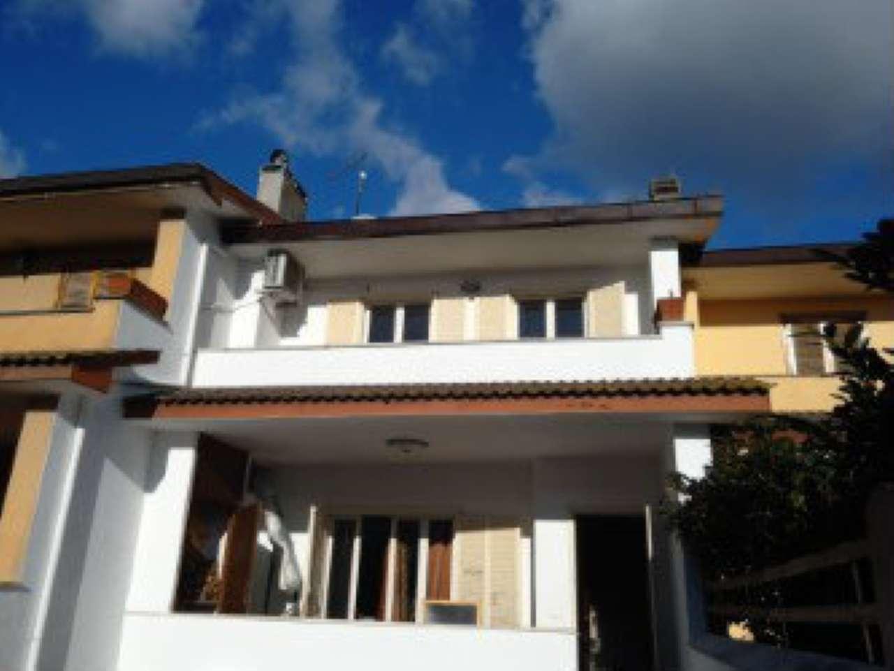 Villa Tri-Quadrifamiliare in vendita a Anzio, 4 locali, prezzo € 167.000 | Cambio Casa.it