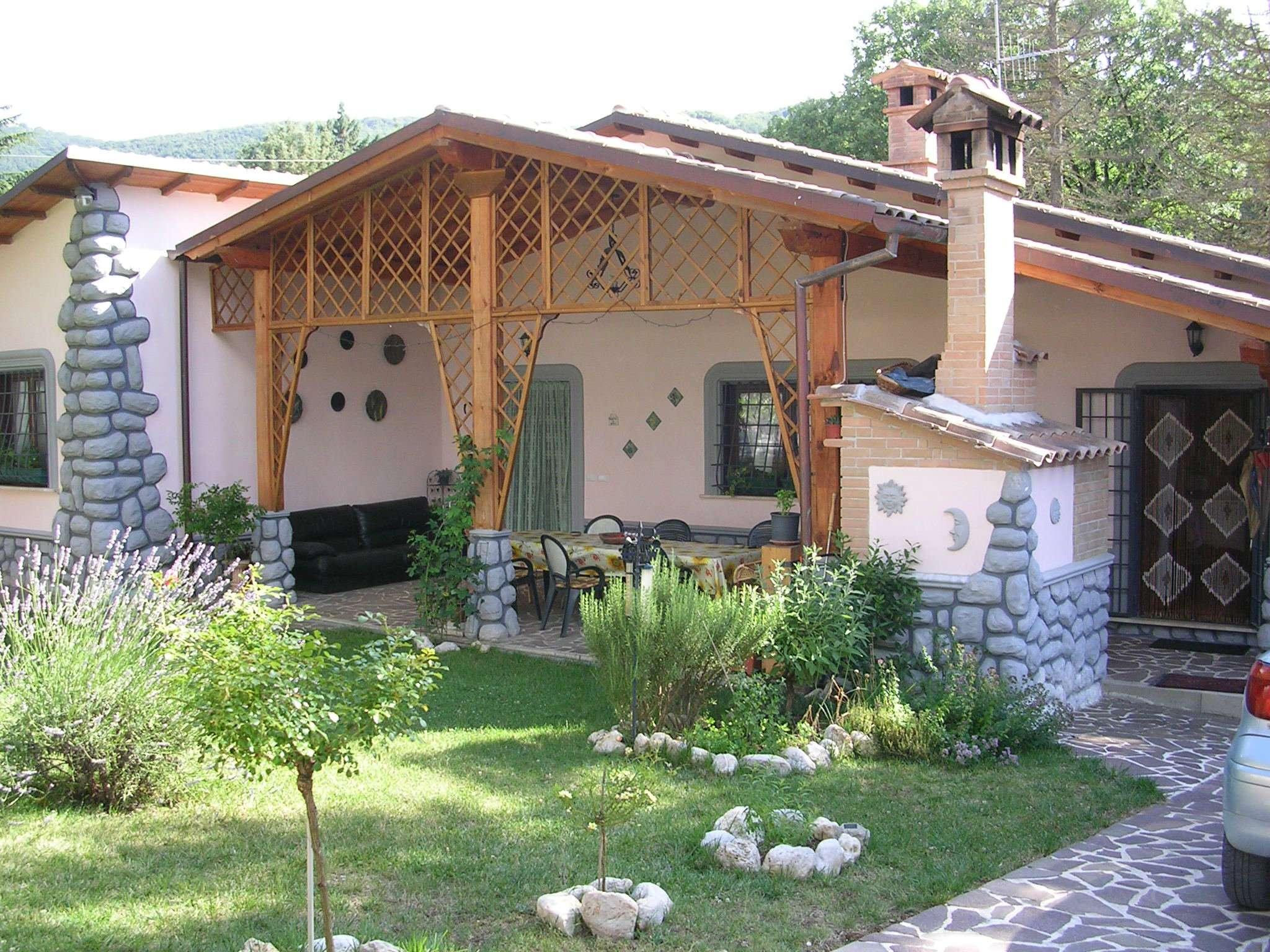 Villa in Vendita a Rocca di Botte