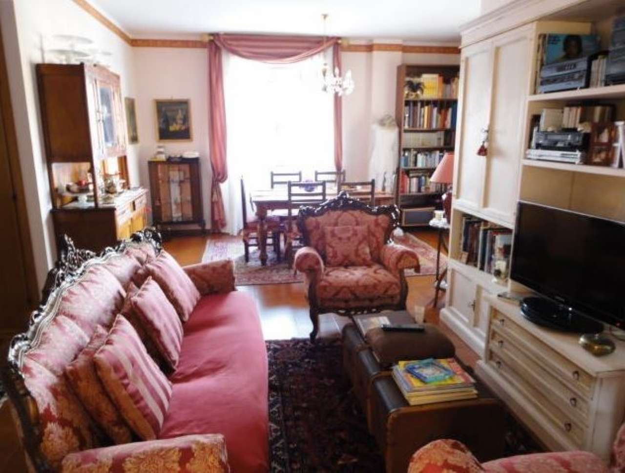 Appartamento in vendita 4 vani 110 mq.  via Valbondione Roma