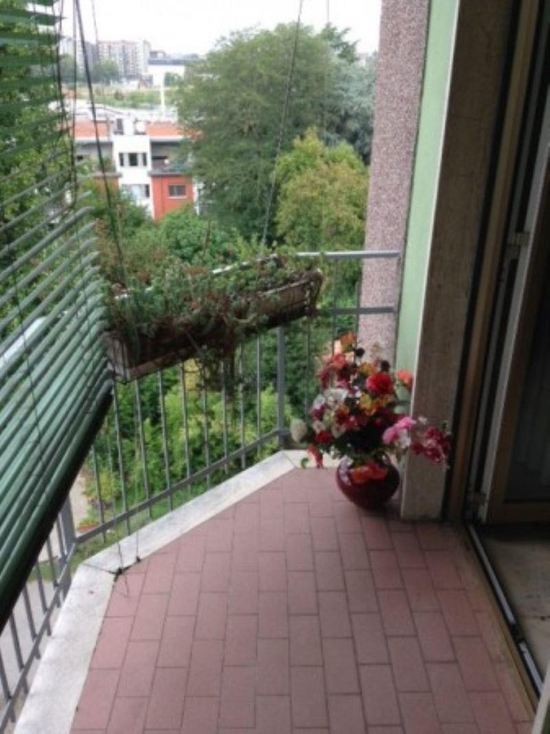Bilocale Milano Via Luigi Ornato 4