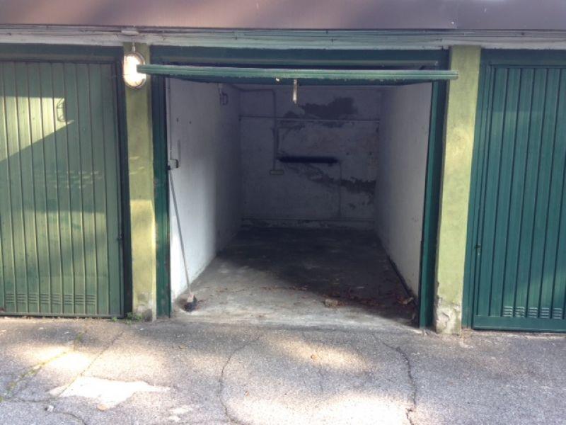 garage-Box-posto auto Singolo in Affitto a Bresso
