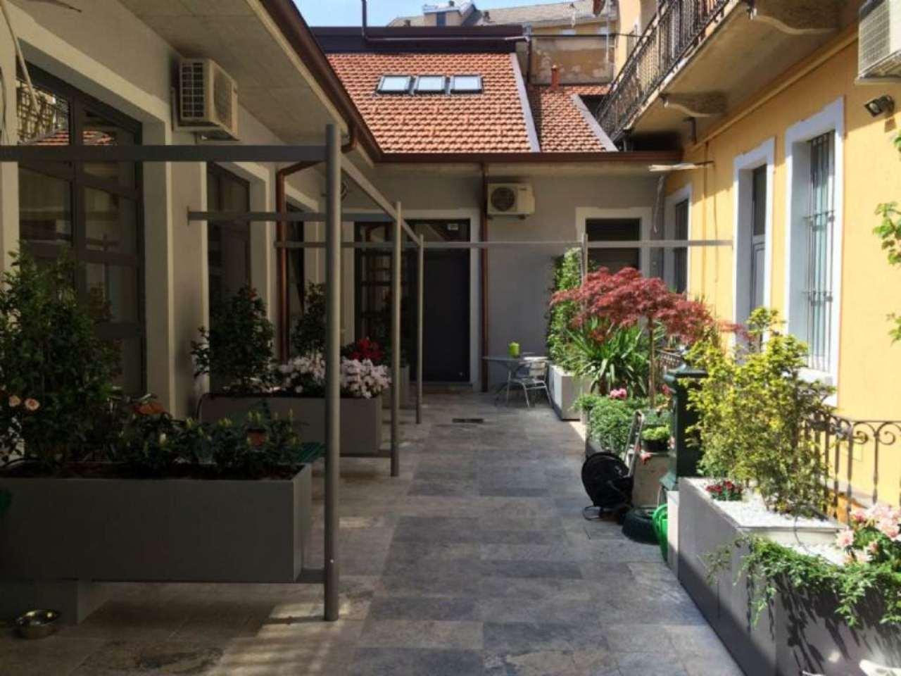 Bilocale Milano Via Elia Lombardini 8