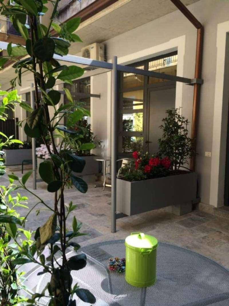 Bilocale Milano Via Elia Lombardini 11