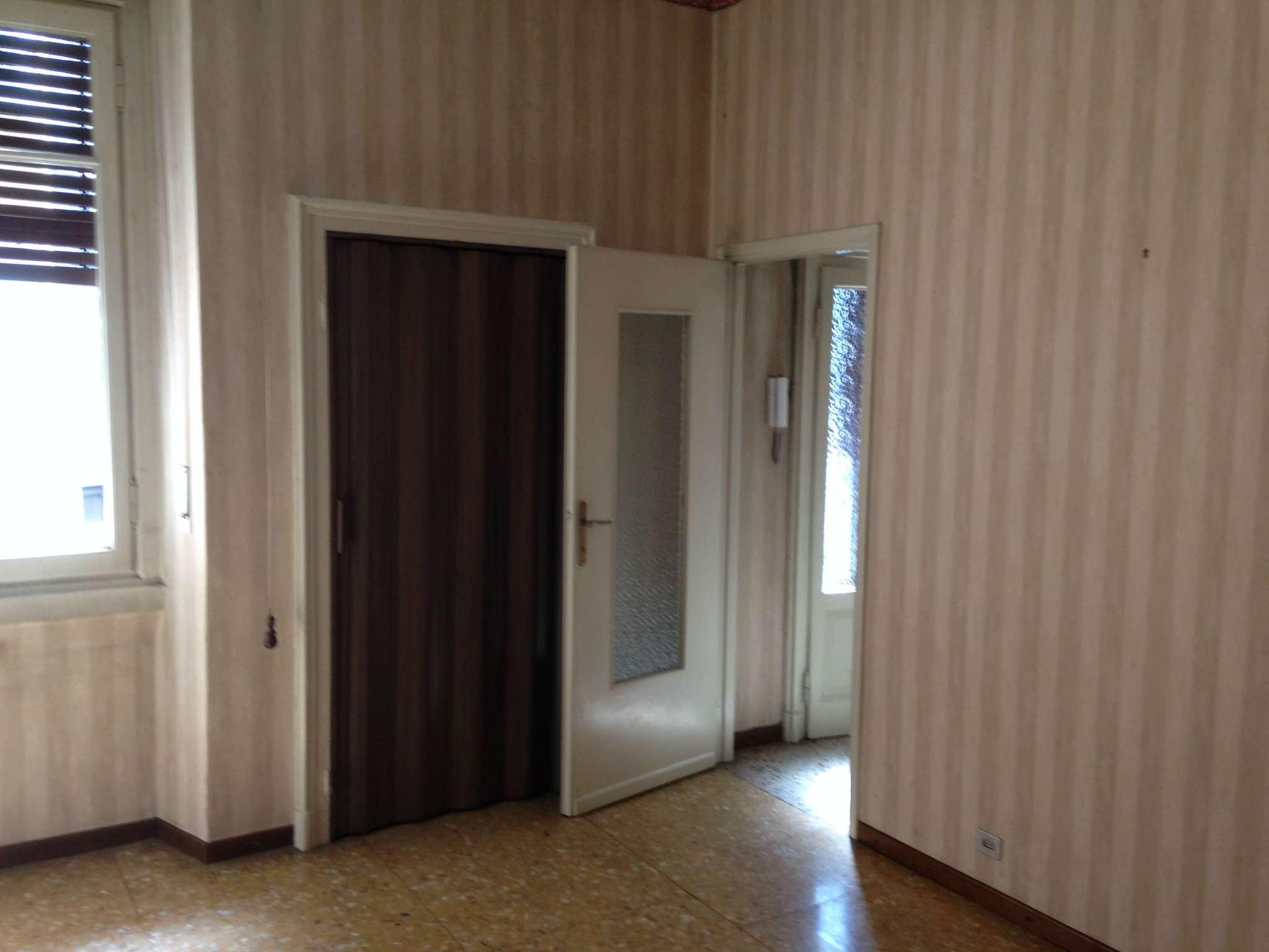 Bilocale Bresso Via Vittorio Veneto 6