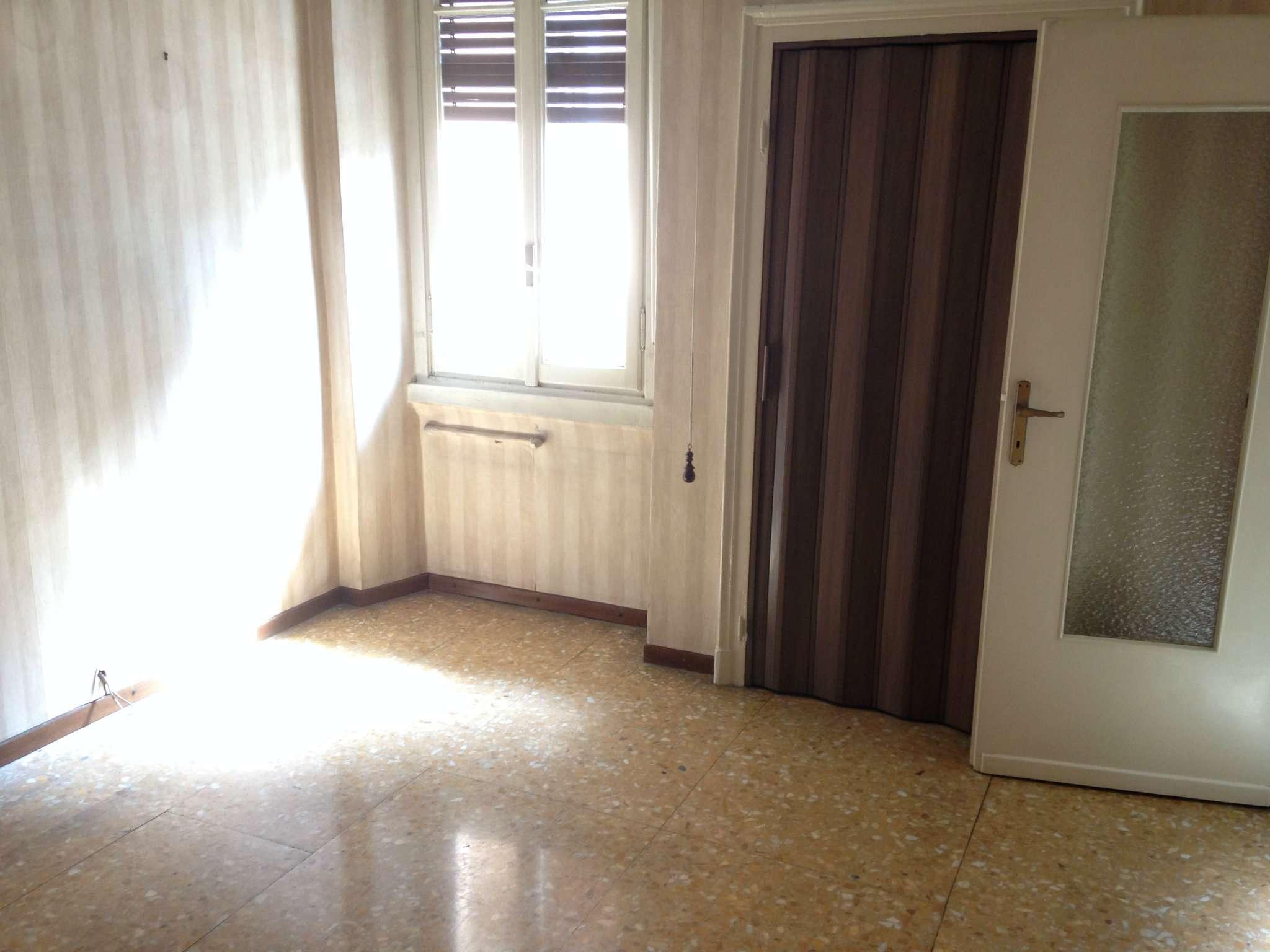 Bilocale Bresso Via Vittorio Veneto 8