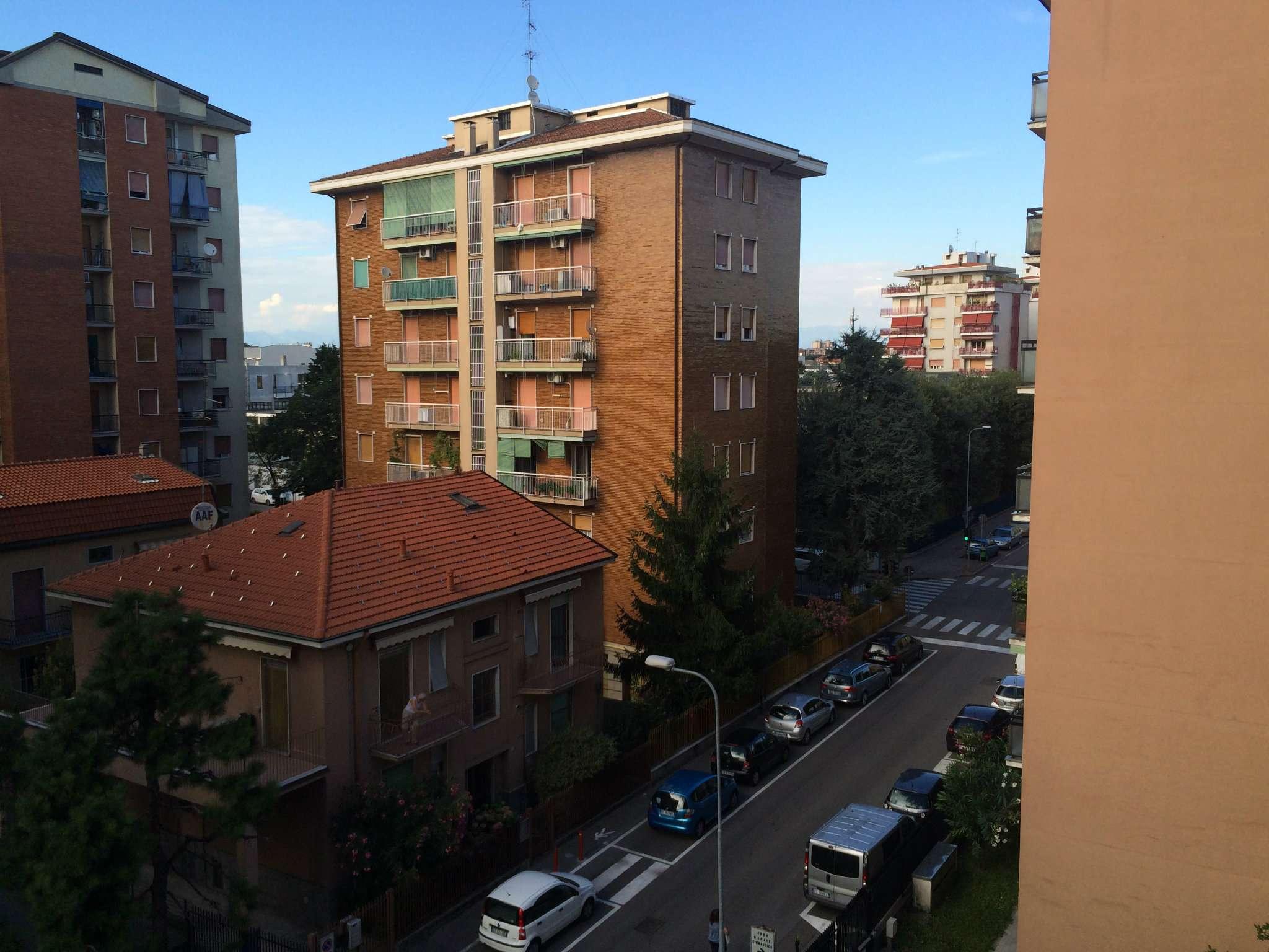 Bilocale Bresso Via Roma 11