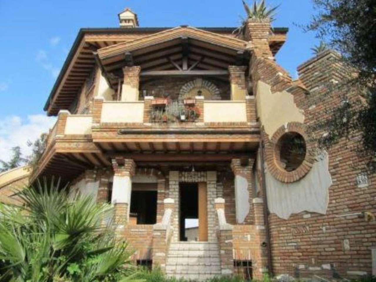 Casa con giardino roma nord idee per il design della casa for Design della casa singola