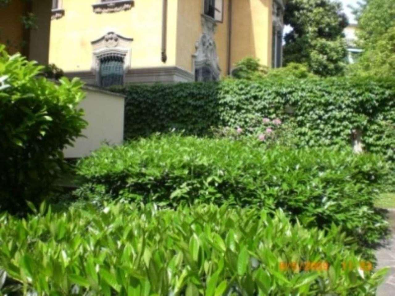 Bilocale Milano Via Monferrato 3