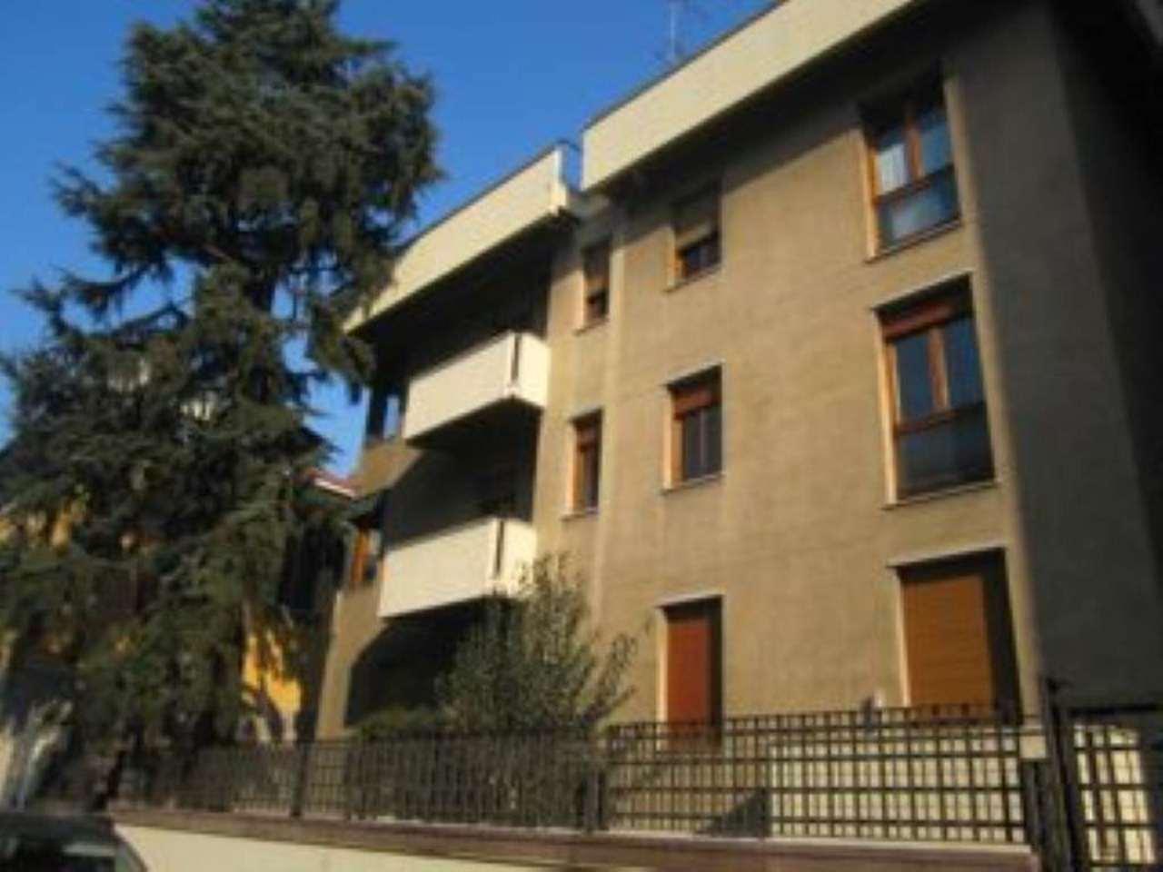 Bilocale Milano Via Monferrato 2