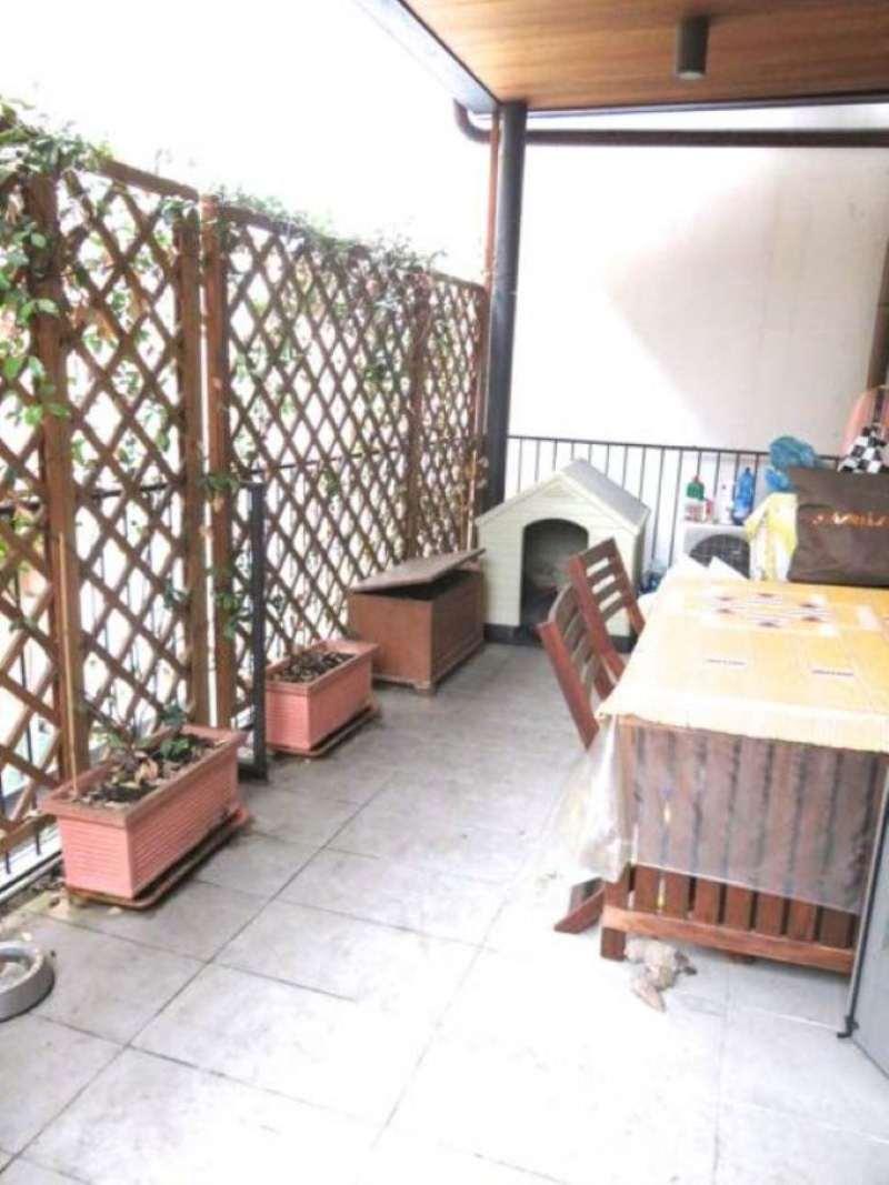 Bilocale Milano Corso San Gottardo 2