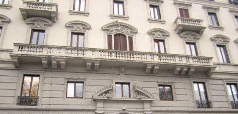 Bilocale Milano Via Bertani 13