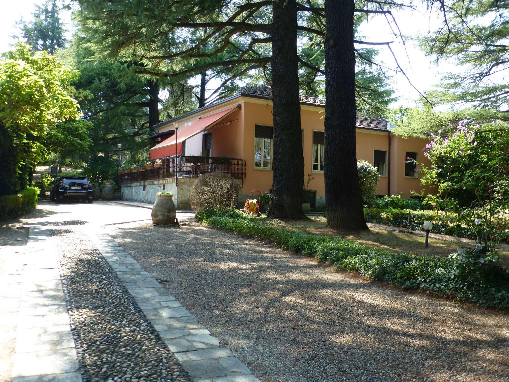 Villa in Vendita a Godiasco: 5 locali, 346 mq