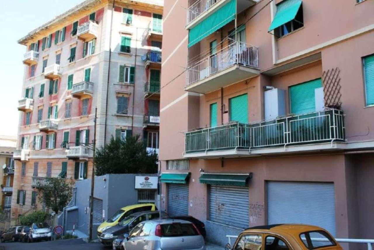 Magazzino in affitto a Genova, 9999 locali, zona Zona: 4 . S.Fruttuoso-Borgoratti-S.Martino, prezzo € 1.350 | Cambio Casa.it