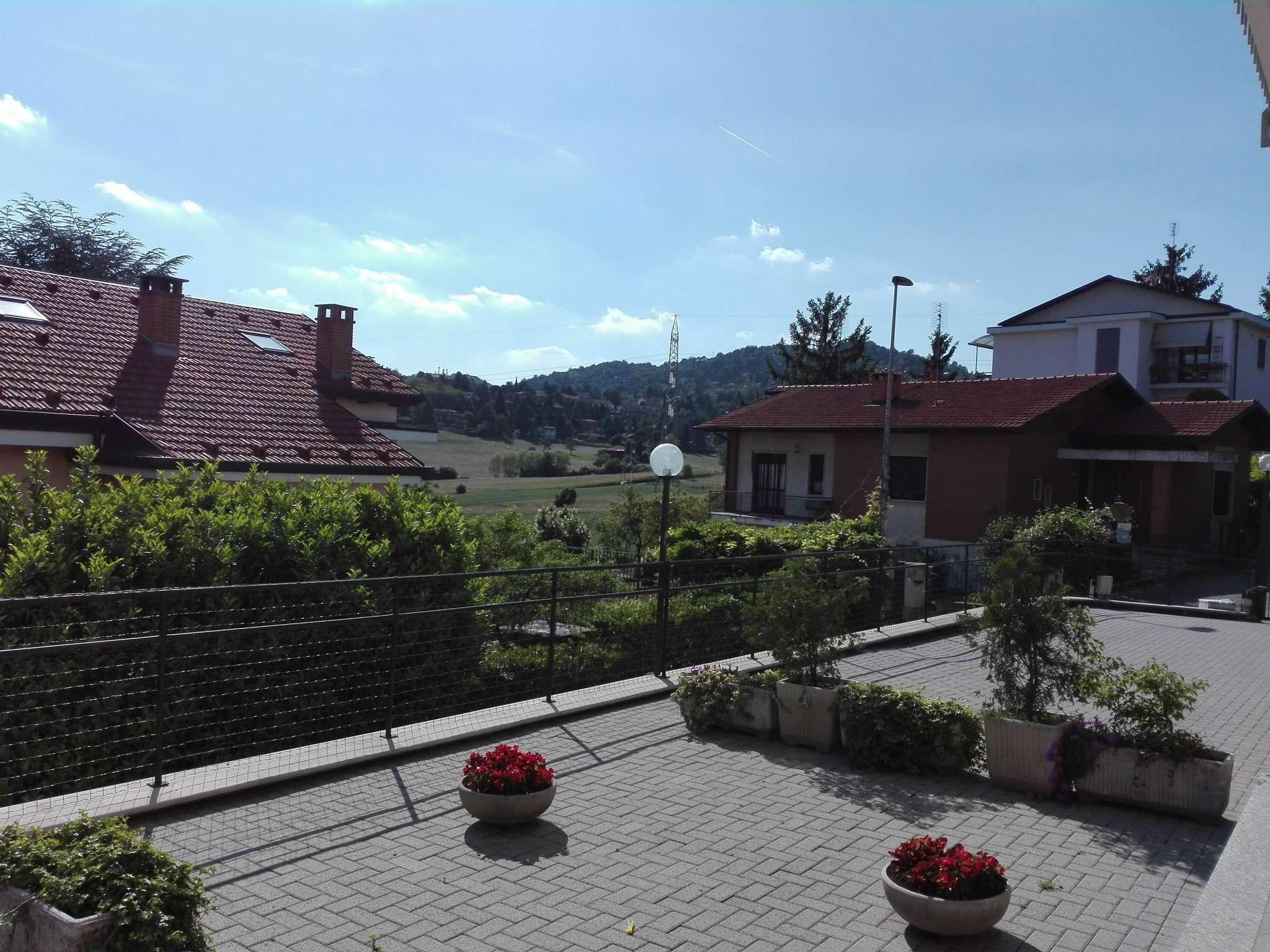 Appartamento in affitto a Pino Torinese, 4 locali, prezzo € 500 | Cambio Casa.it