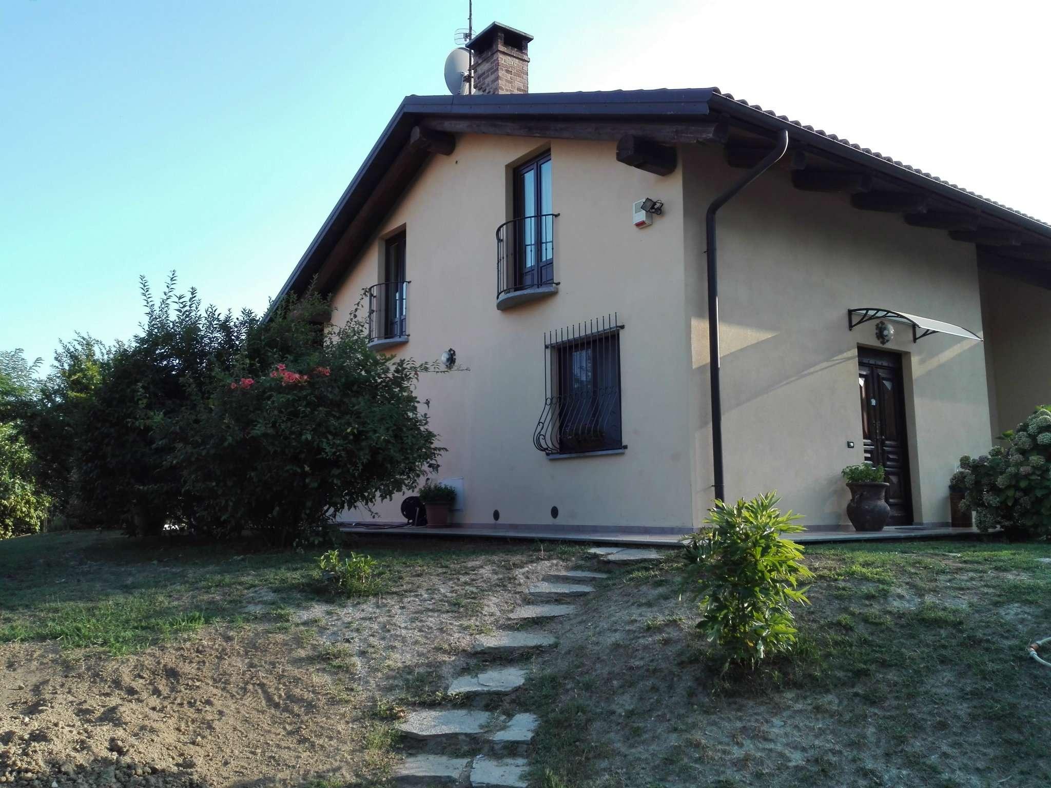 Soluzione Indipendente in vendita a Berzano di San Pietro, 5 locali, prezzo € 245.000   CambioCasa.it