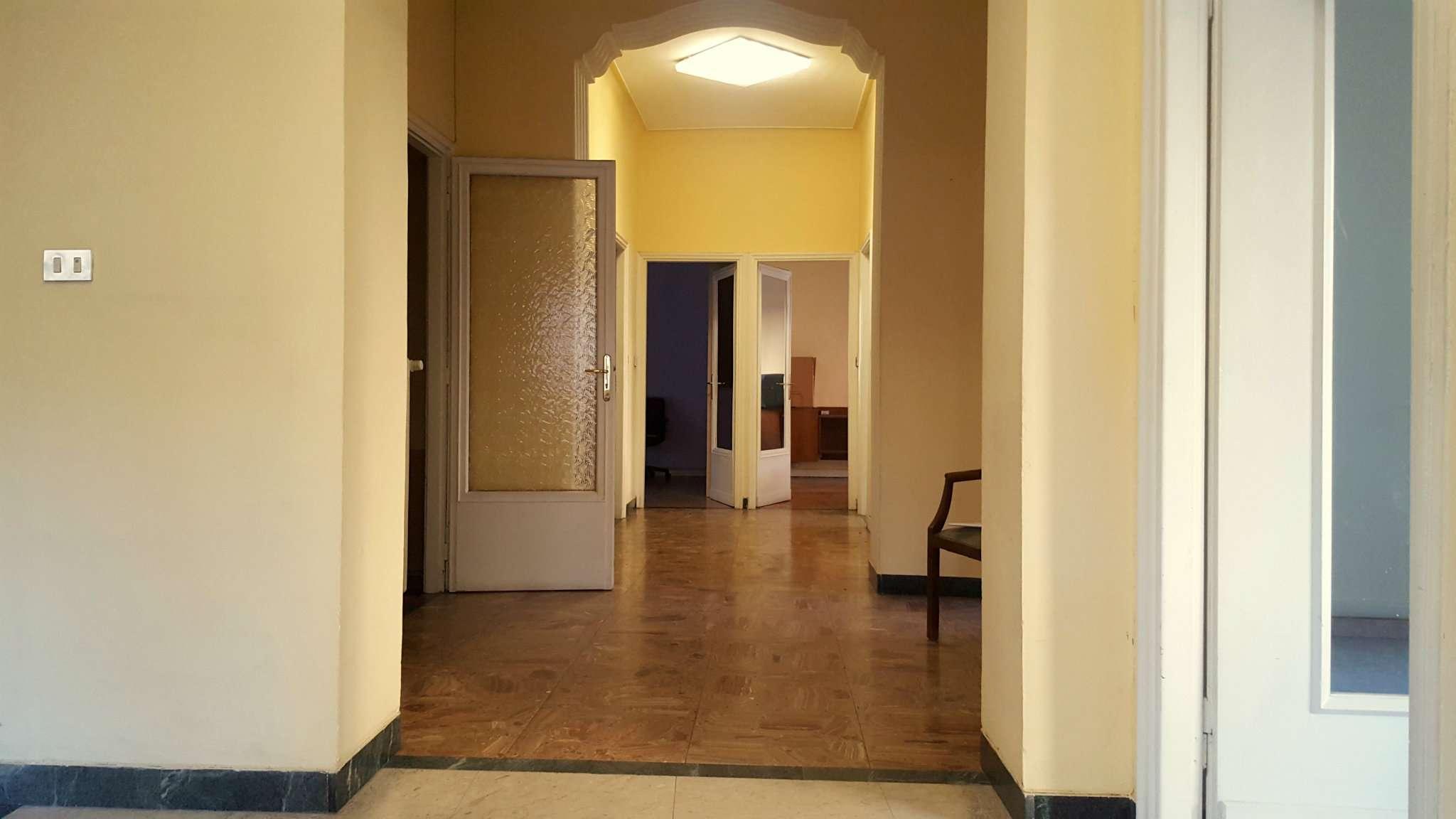 Ufficio in vendita Zona Parella, Pozzo Strada - via Valentino Carrera 74 Torino