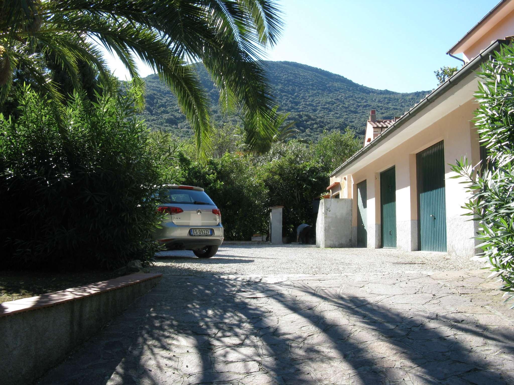 Foto 1 di Quadrilocale il bagno 17, frazione Sprizze, Marciana Marina