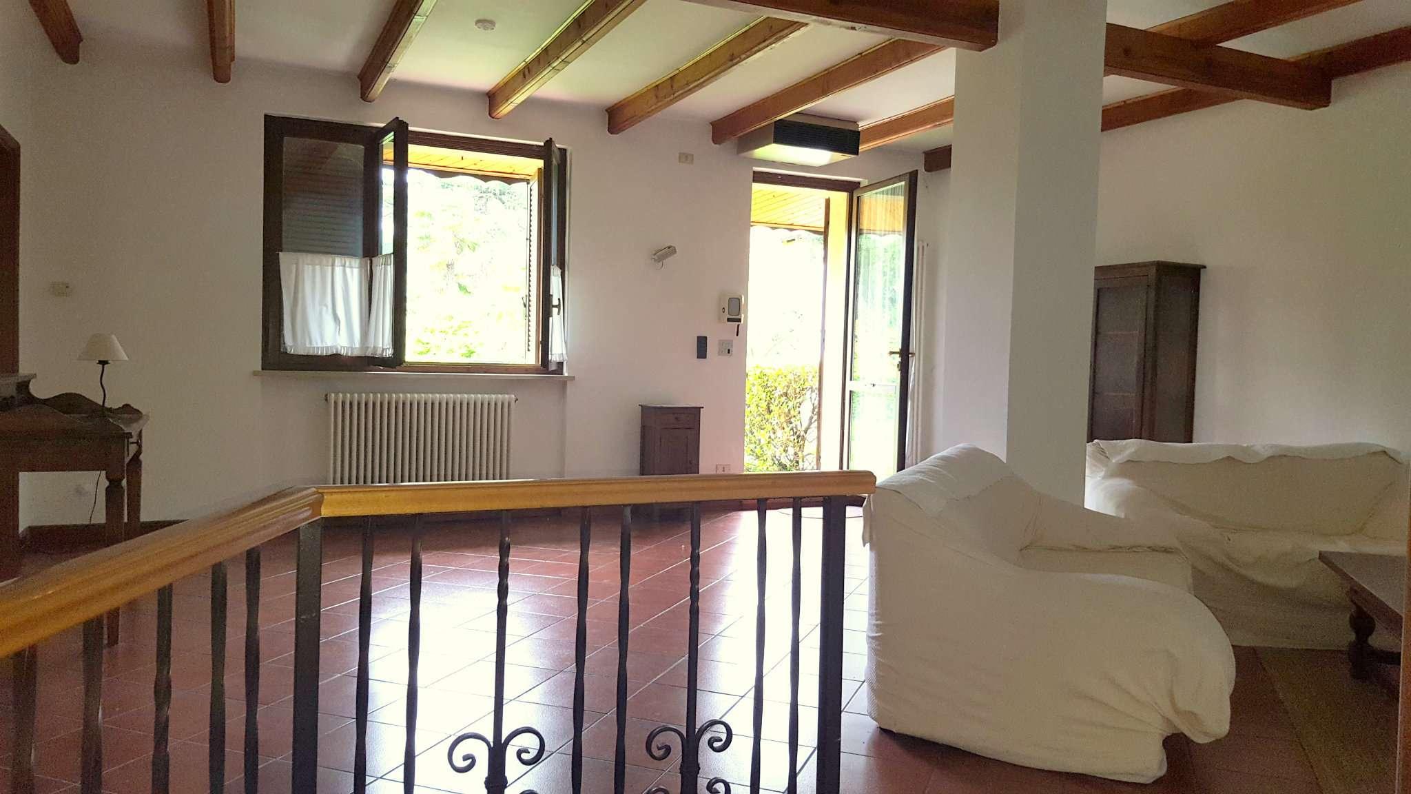 Foto 1 di Villa strada Fenestrelle, Torino (zona Precollina, Collina)