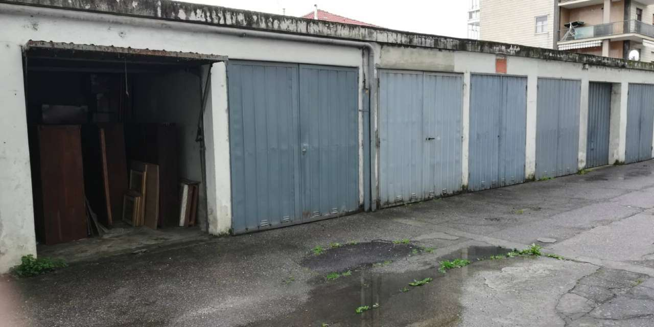 Foto 1 di Box / Garage via Nino Bixio, frazione Borgaretto, Beinasco