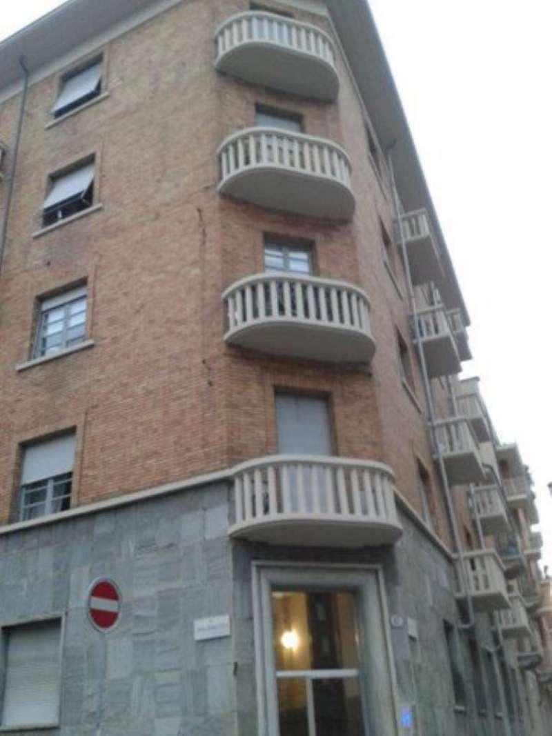 Bilocale Torino Via Valdieri 1