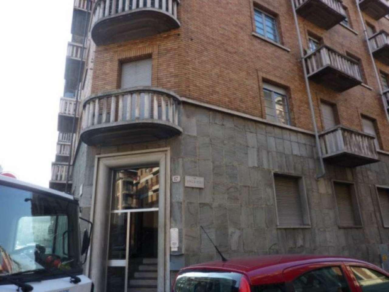 Bilocale Torino Via Valdieri 2