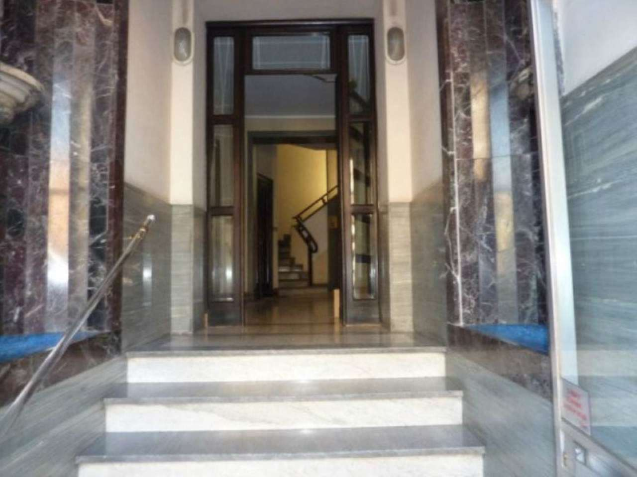 Bilocale Torino Via Valdieri 4