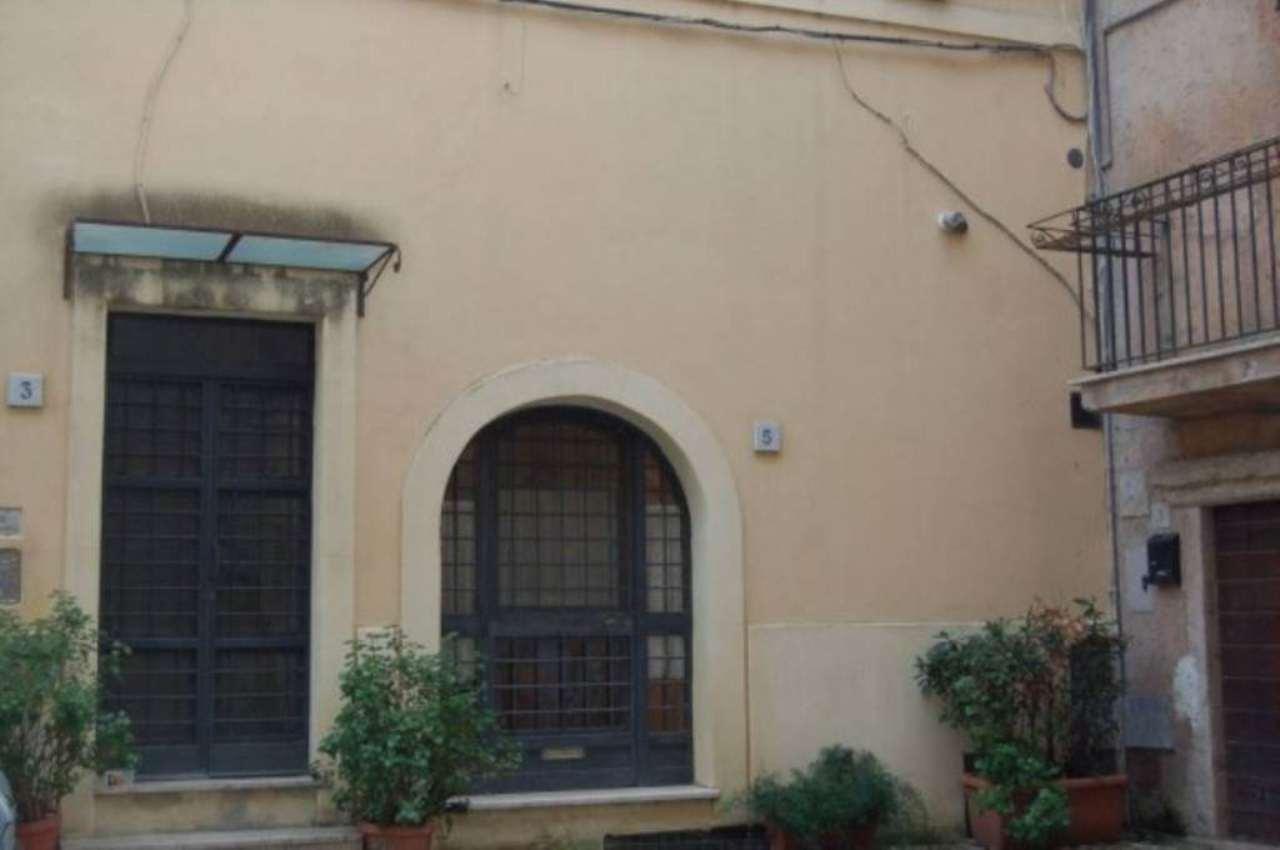 Appartamento in vendita a Fiano Romano, 6 locali, prezzo € 119.000 | CambioCasa.it